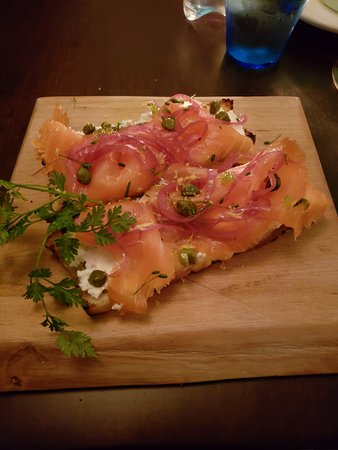 Chives Canadian Bistro: Smoked salmon brushetta