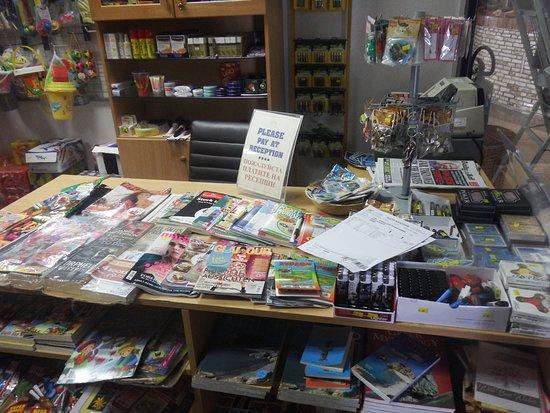 Bella Napa Bay Hotel: souvenir shop