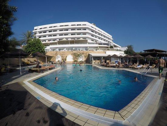 Bella Napa Bay Hotel: outside pool