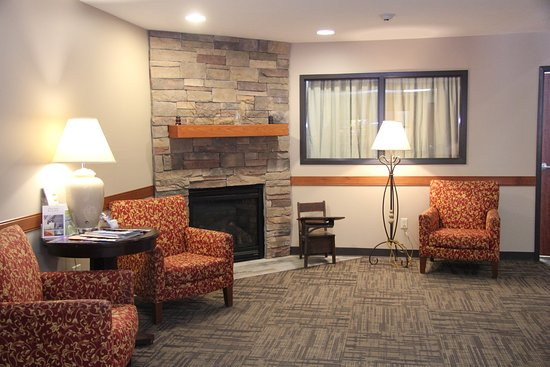 Pittsfield, IL: Lobby area