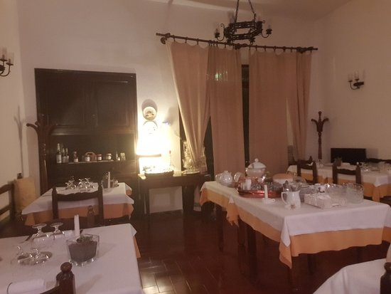 Roccalbegna, Italien: 20180917_194620_large.jpg