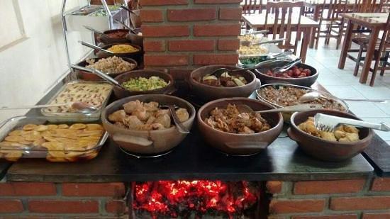 Restaurante Fogao A Lenha: Comida caseira muito boa.