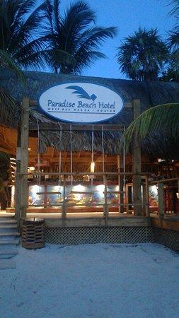 Paradise Beach Hotel: El mejor lugar para comer