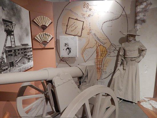 West Branch, IA: herbert history exhibit 6