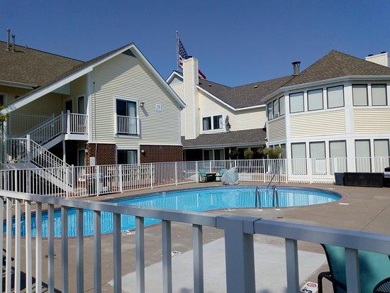 Sonesta ES Suites Minneapolis - St. Paul Airport : Swimming pool