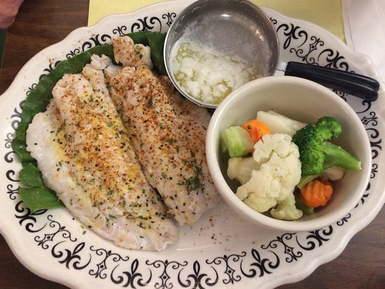 Mobridge, Dakota do Sul: Walleye with Steamed Vegetables