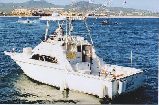 Fish On 33-Foot (10-Mt.) Tiara