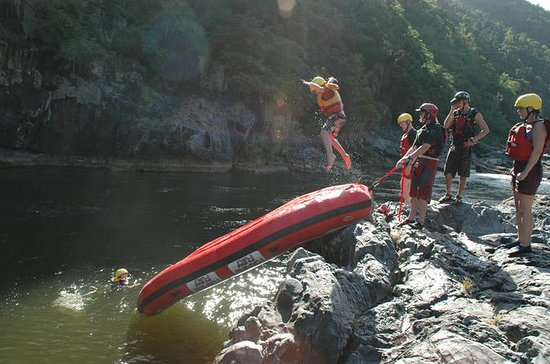 Familj White-water Rafting Adventure