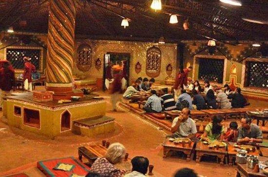 Jantar no Chokhi Dhani Village a...