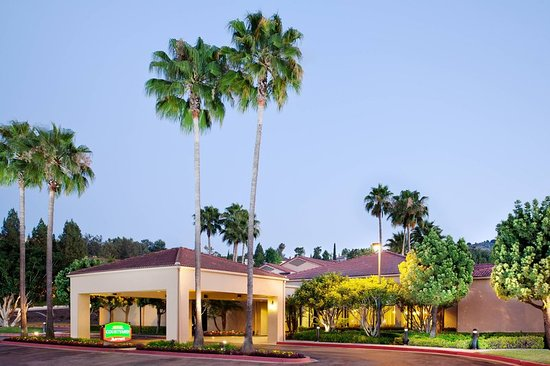Hacienda Heights, CA: Exterior