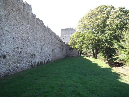 Portchester, UK: Side view of imposing walls