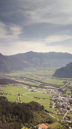 Wiesing, Österreich: A völgy