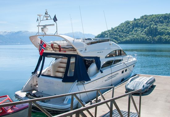 Hardanger Fjord Yacht charter - Princess 50 cruise