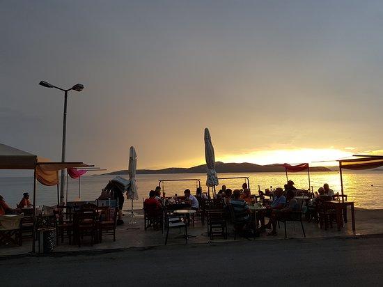 Nea Styra, اليونان: face au couché de soleil