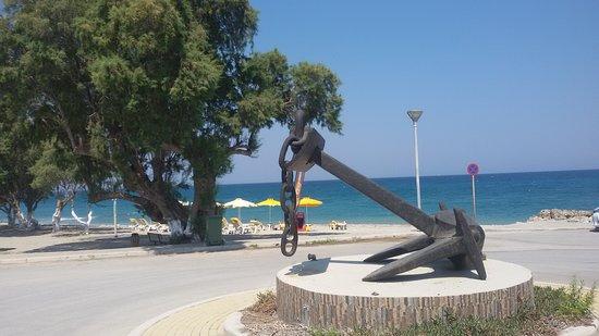 Soroni, اليونان: Der Strand vor der Taverne