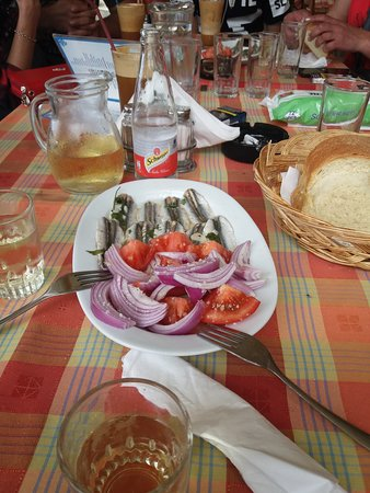 Orfeas: The best food in all Vrachos.