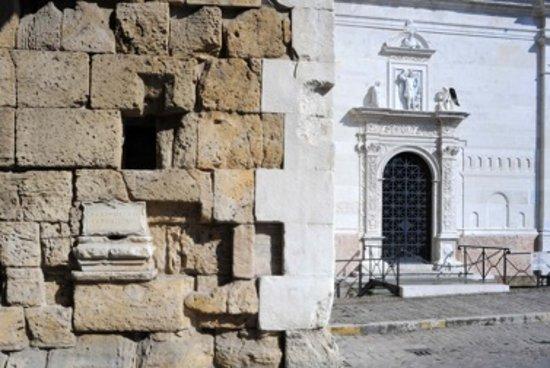 Fano, Italie : facciata