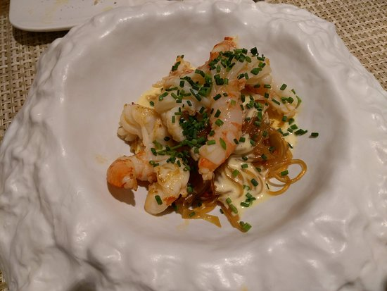Poboleda, إسبانيا: A surprising take on noodles and shrimps