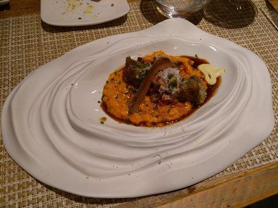 Poboleda, إسبانيا: Tomato risotto, chicken leg sausage, anchovie