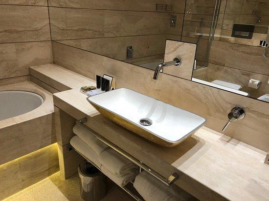 Grand Hotel Minerva: Ванная комната