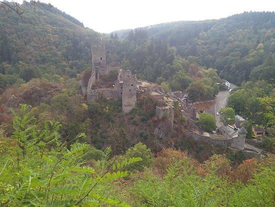 Niederburg : Zicht op de Unterburg