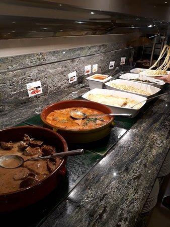 Restaurante del Hotel Delfín: 20180913_210501_large.jpg