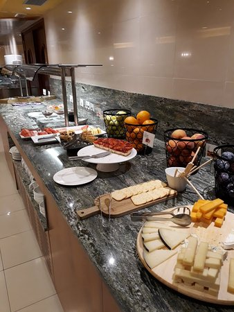Restaurante del Hotel Delfín: 20180913_222159_large.jpg