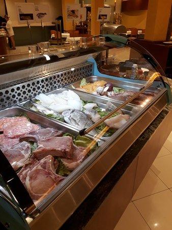 Restaurante del Hotel Delfín: 20180913_222131_large.jpg