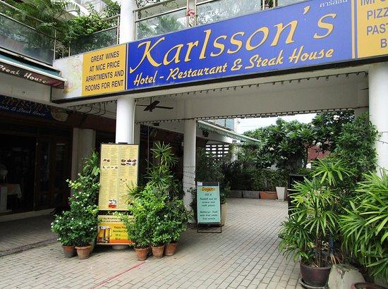 Karlssons Restaurant Patong: 宿泊は無し、レストランだけの利用。 少しわかりずらい場所だが、ビーチ沿いではなく騒音は少ない。