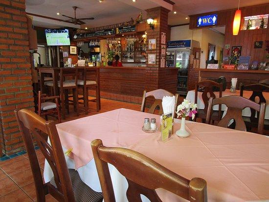 Karlssons Restaurant Patong: 店内の雰囲気は良い。