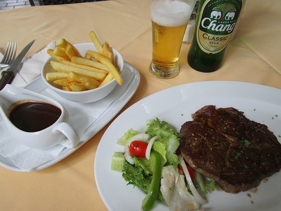 Karlssons Restaurant Patong: ブラックアンガスのリブアイ、赤ワインソース(650B)。 コスパは普通というところかな?