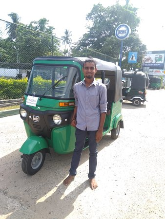 Tangalle, Sri Lanka: Suranga and his new tuk tuk