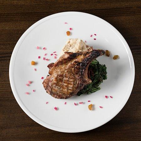 Prairie Village, KS: Duroc Pork Chop