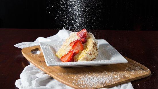 Prairie Village, KS: Limoncello Creme Torte