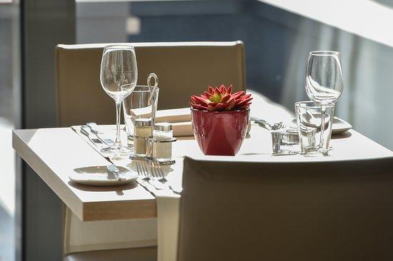 Burg-Reuland, Bélgica: Tisch