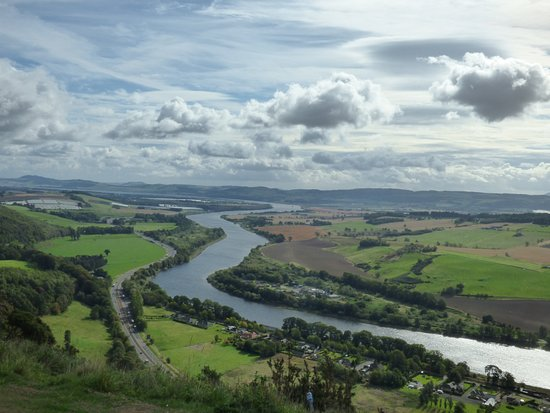 Kinnoull Hill: looking along the tay