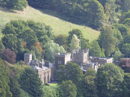 Kinnoull Hill: kinfuns castle