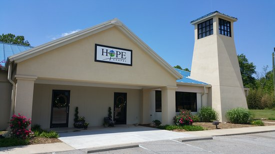 Hope Chapel: Come on in and be welcomed