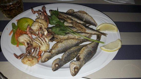 Foto de Caravelle Fish & Mediterranean Restaurant