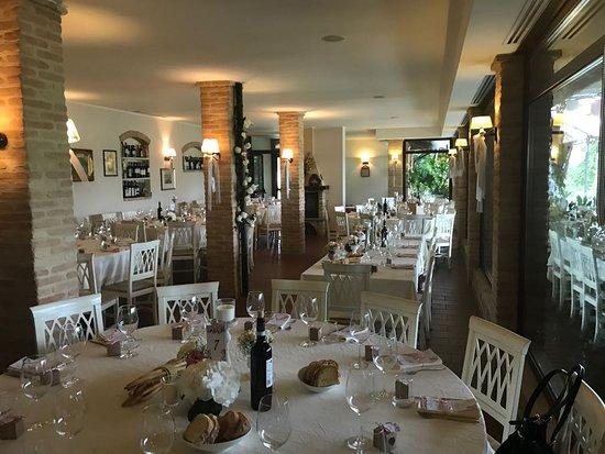 Grazzano Badoglio, إيطاليا: Tavolo Rettangolare: Tavolo degli sposi
