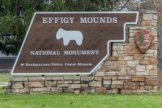 Harpers Ferry, IA: Effigy Mounds National Monument Entrance