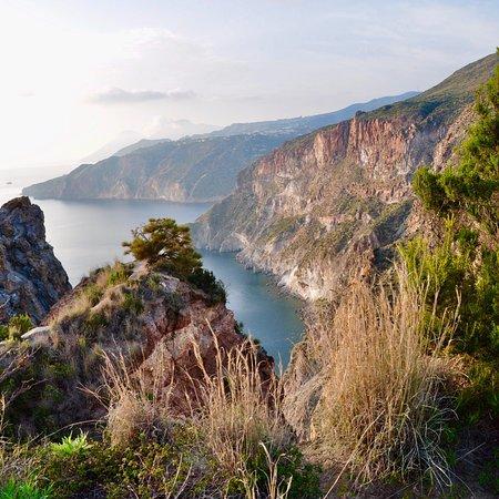 Osservatorio Geofisico di Lipari: photo0.jpg