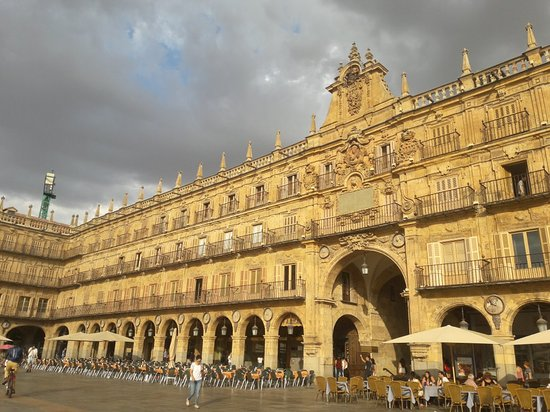 Salamanca's Plaza Mayor: 20180918_183823_large.jpg