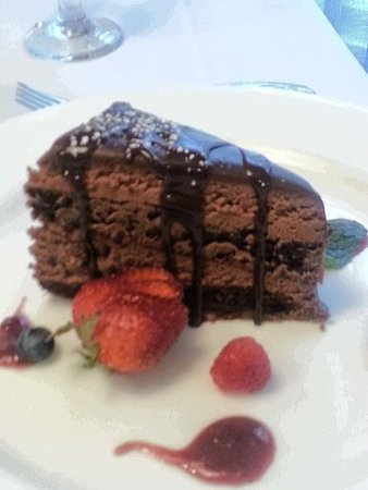 City Cafe: Flourless Chocolate Cake - very very rich