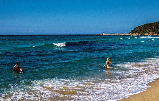 Yaliskari Beach