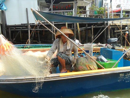Tai O: Fisherman