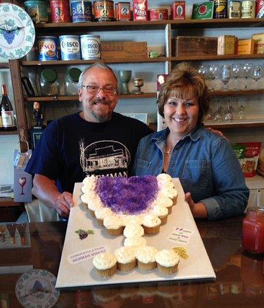 Brazeau, Миссури: Opened for 15 years.   Doug & Bonnie Hemman