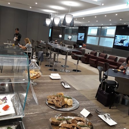 Best paid for lounge options jfk