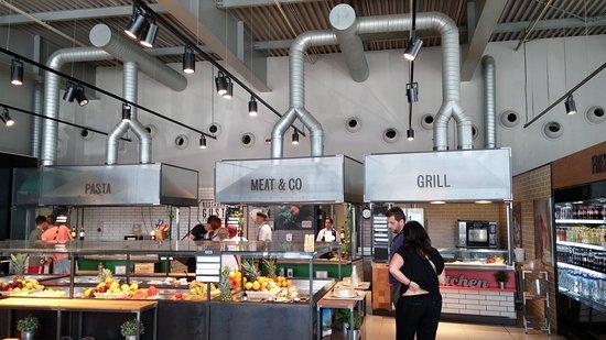Civitella d'Agliano, Italie : Cucina a vista e tavolo antipasti