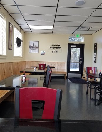 Middleton, ID: Welcoming, sparkling clean, small space seats 27